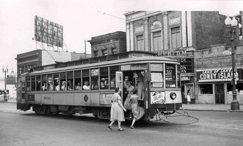 Street Scenes of Minneapolis in the 1920s-30s (26)